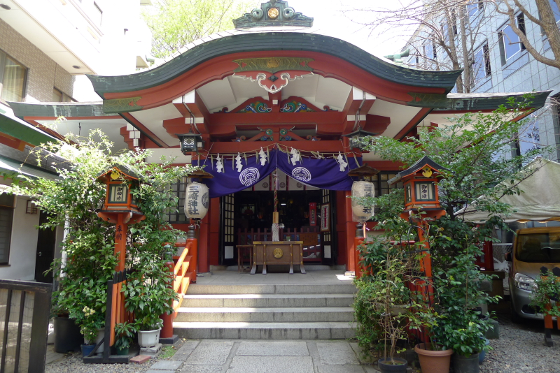 三崎稲荷神社の社殿
