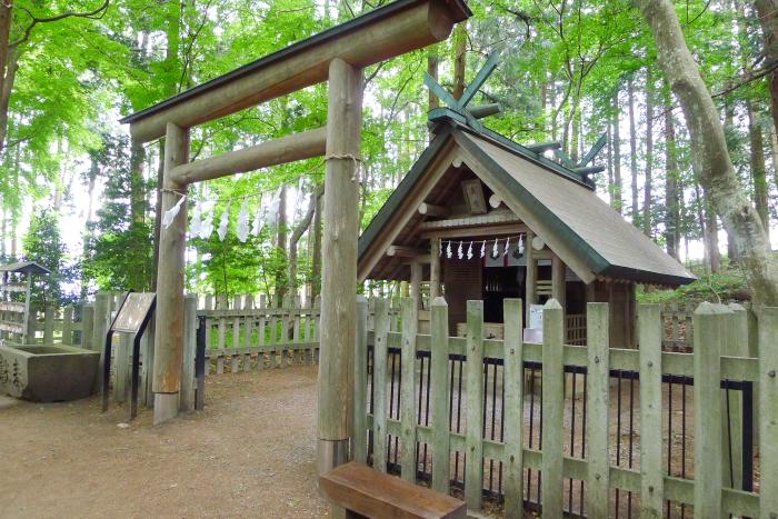 宝登山神社 奥宮の社殿