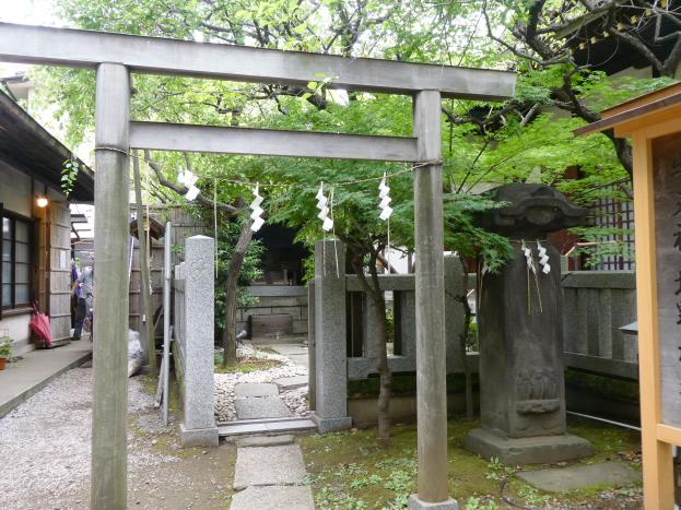 牛天神北野神社の境内社