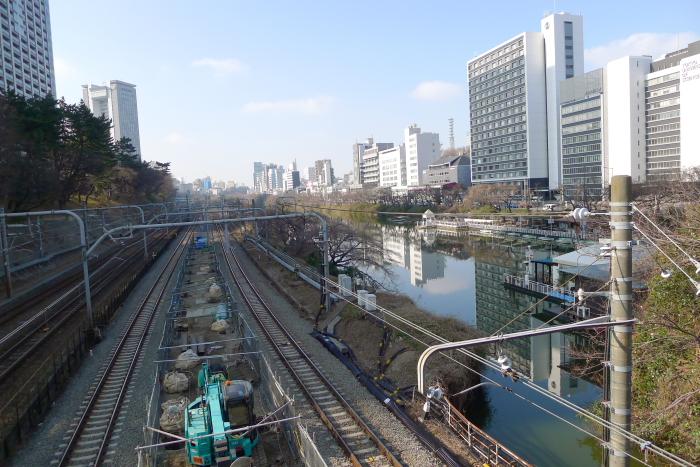 東京大神宮の帰り道、牛込橋から見た光景
