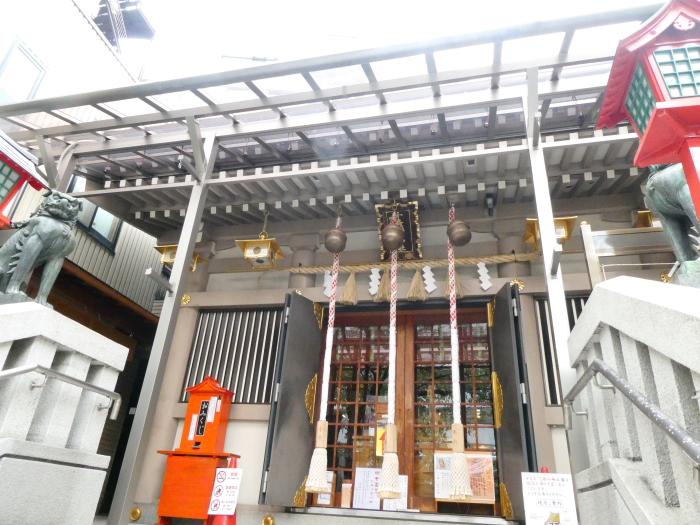 港区_十番稲荷神社の社殿