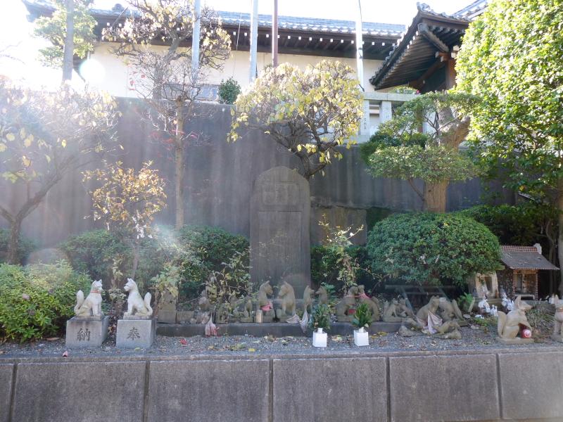 北区_赤羽八幡神社の小さなお稲荷さん