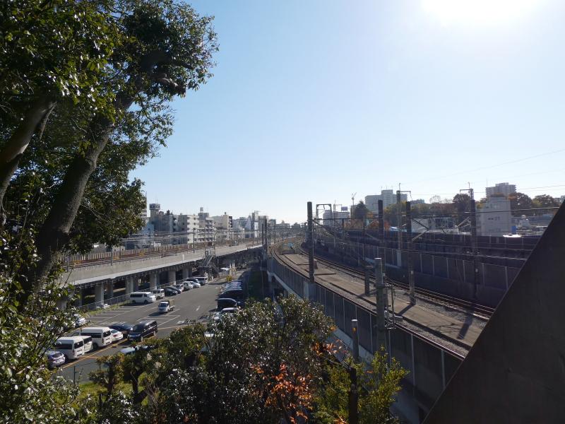 北区_赤羽八幡神社の新幹線が見える場所