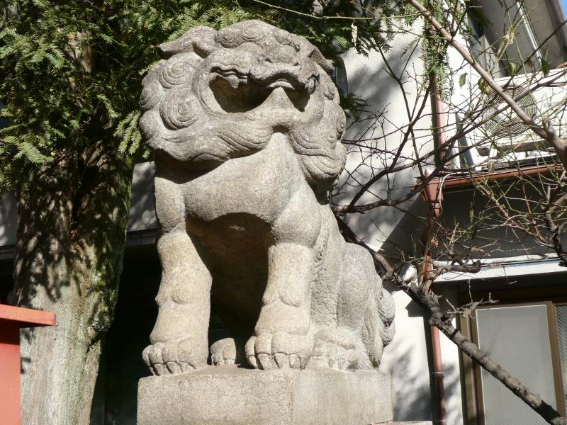 板橋区_熊野神社の社殿前の狛犬