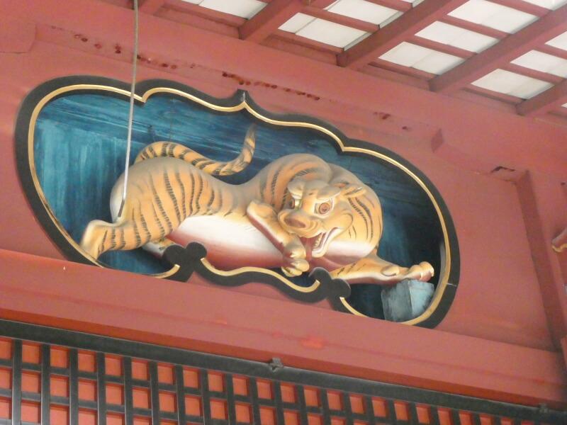 渋谷区_金王八幡宮の社殿の虎の彫刻