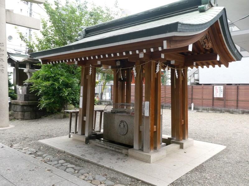 目黒大鳥神社の手水舎